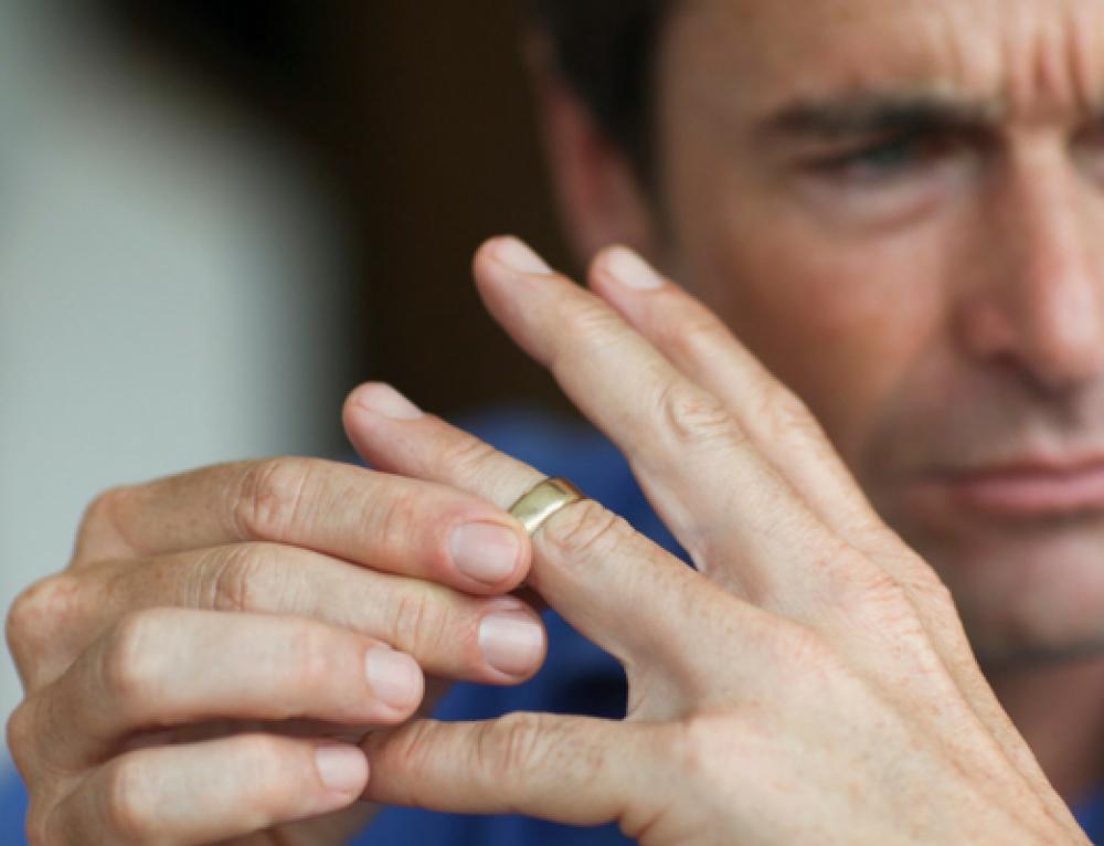De ce DIVORȚEAZĂ bărbaţii?