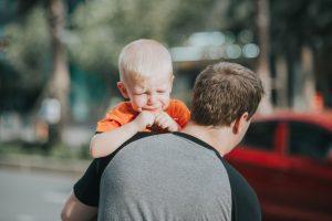 copil trist după divorț